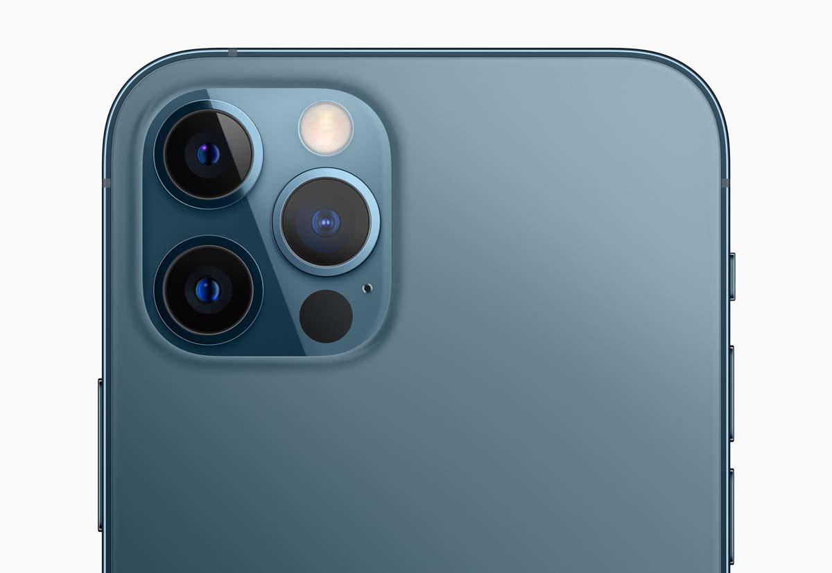Riprendere un filmato come i registi nei film: il nuovo spot di Apple per iPhone 12 Pro