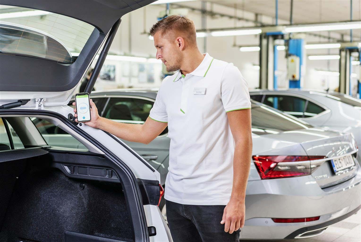 Skoda usa un'app per eseguire diagnosi partendo dai rumori delle auto