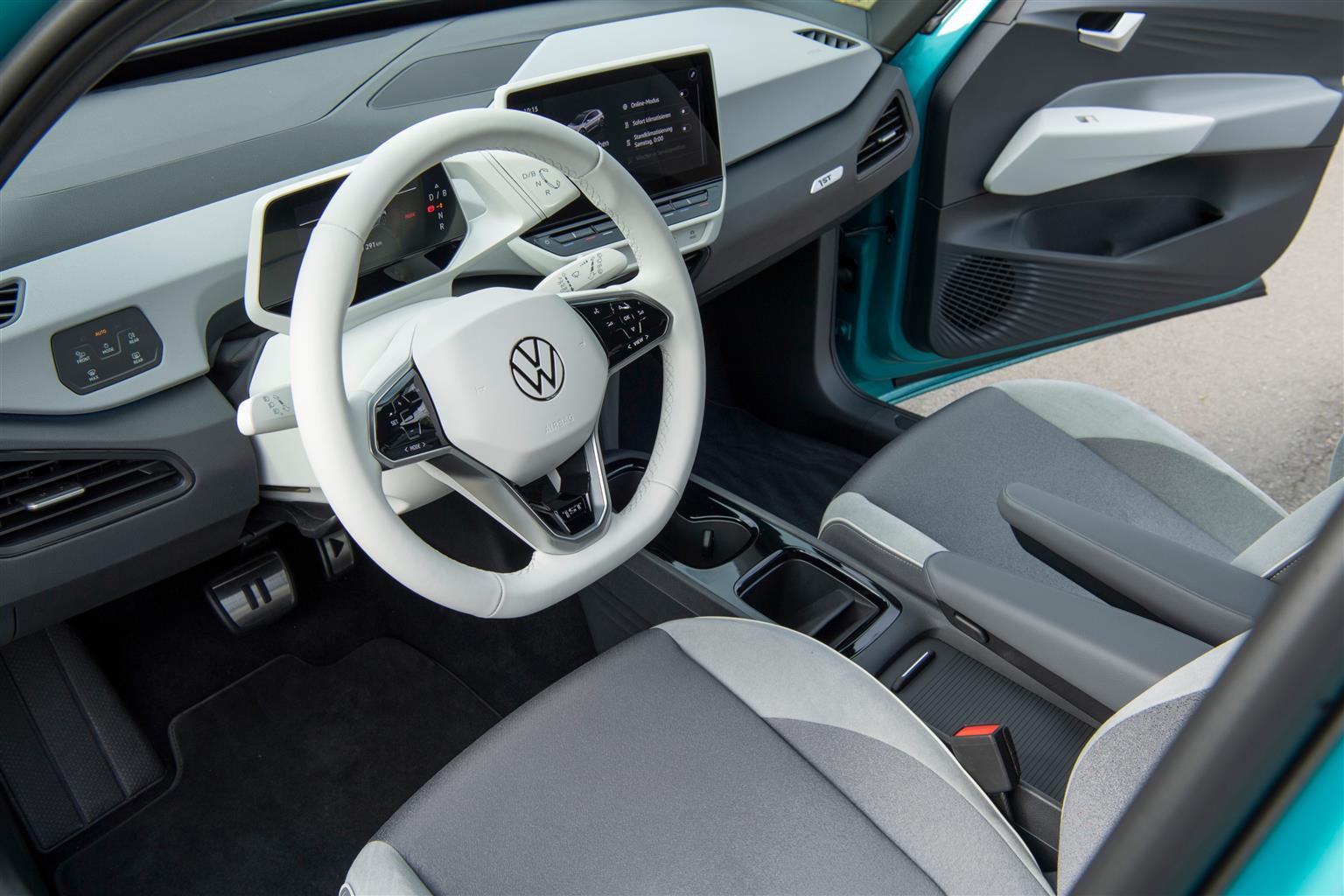 Volkswagen ID.3 e Waze insieme per la mappatura dei punti di ricarica in Italia