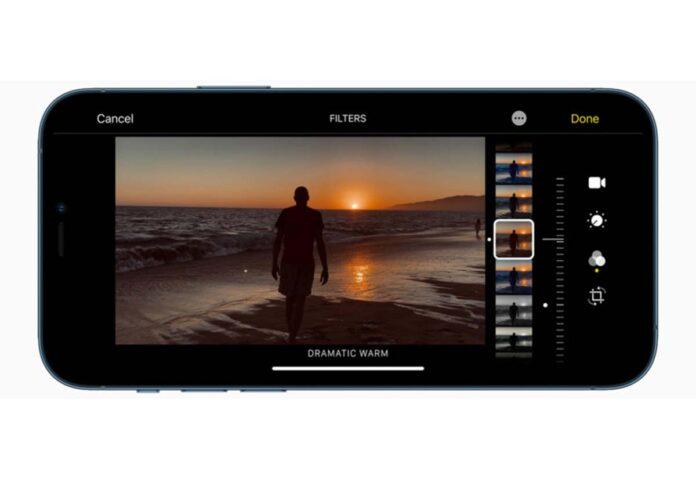 Dirigenti della Mela indicano l'approccio usato da Apple per la fotocamera di iPhone 12