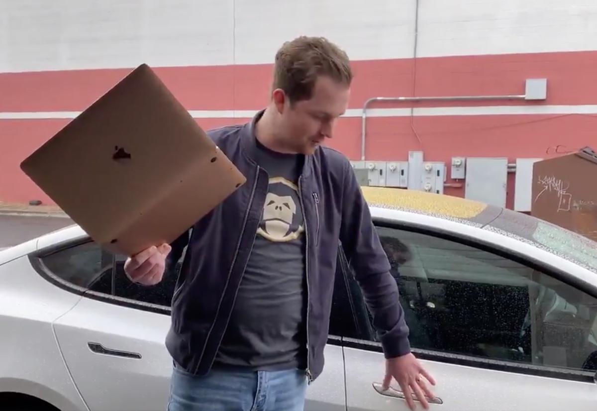 MacBook Air M1 diventa la chiave per auto più grande del mondo - Macitynet.it