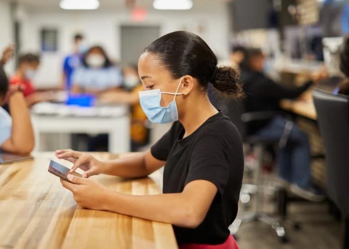 Apple ha donato 2.500 dispositivi a doposcuola volontari per i giovani