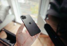 Qualcomm, ricavi alle stelle grazie alla forte domanda degli iPhone serie 12