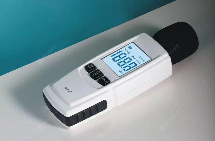Misuratore acustico in decibel: misurate il rumore attorno a voi a soli 20 €