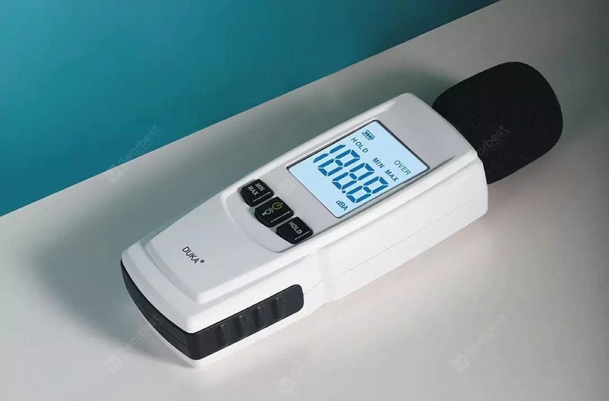 Misuratore acustico in decibel: misurate …