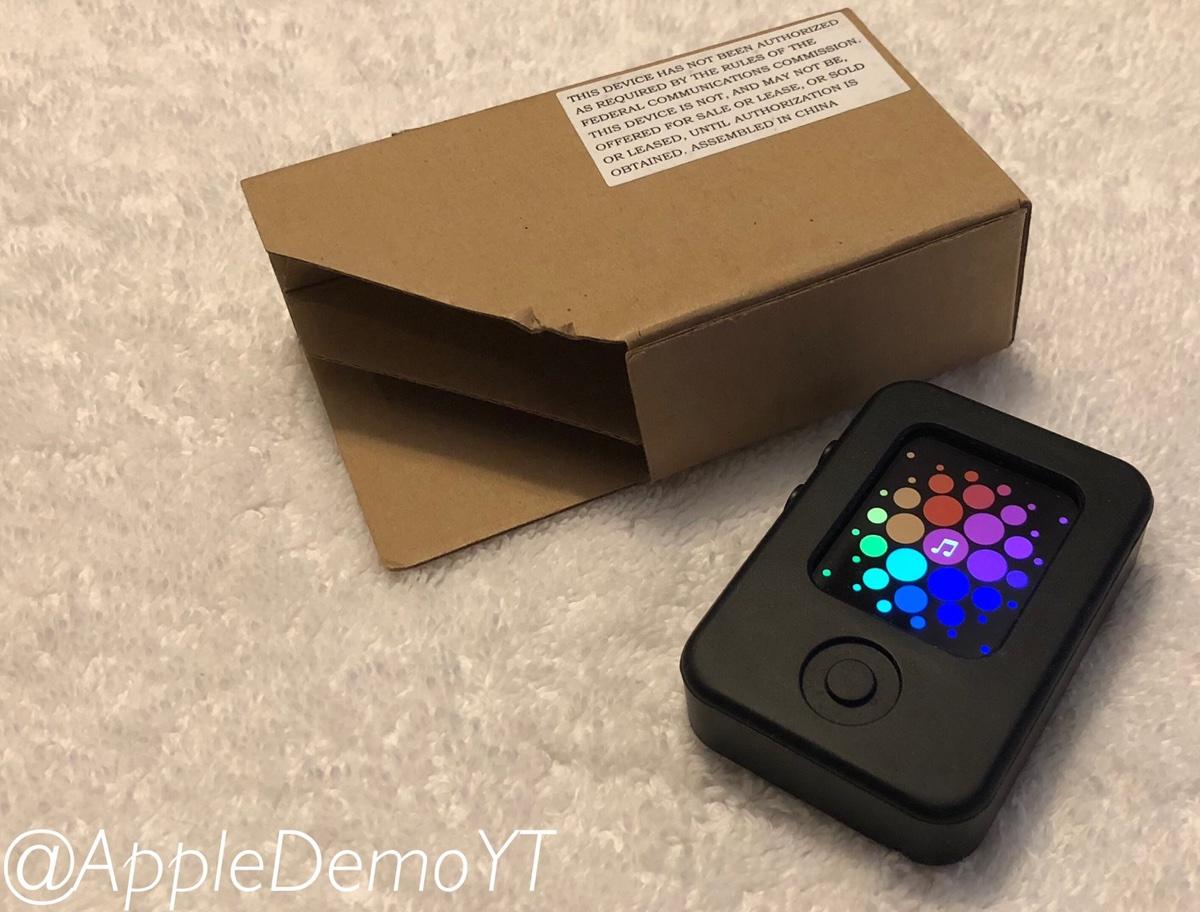 Le foto di un prototipo di Apple Watch mascherato con l'antenato di watchOS