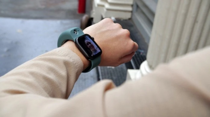 Wristcam aggiunge due fotocamere ad Apple Watch
