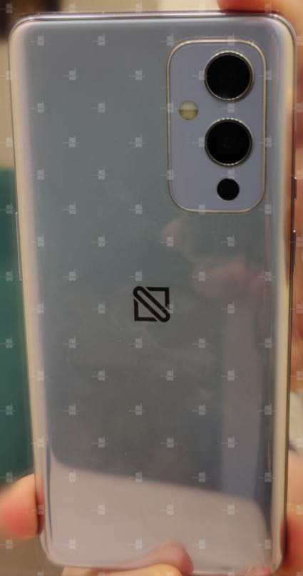 Ecco la prima foto di OnePlus 9
