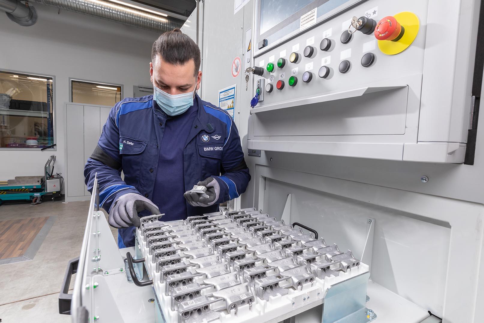 BMW continua a far progredire la stampa 3D su scala industriale