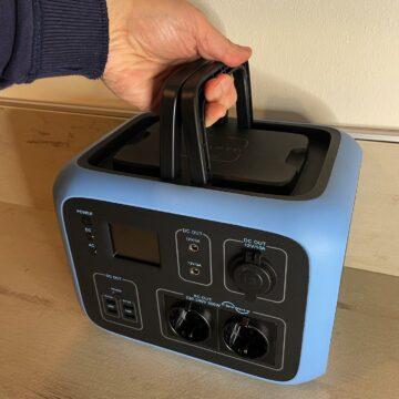 Recensione Bluetti AC50S Portable Power Station: inverter e super power bank fuori dalla griglia
