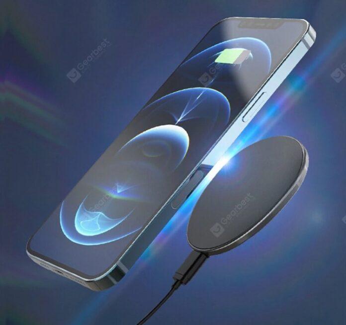 C01 è l'alternativa economica al MagSafe di iPhone 12: solo 12 € per la ricarica wireless