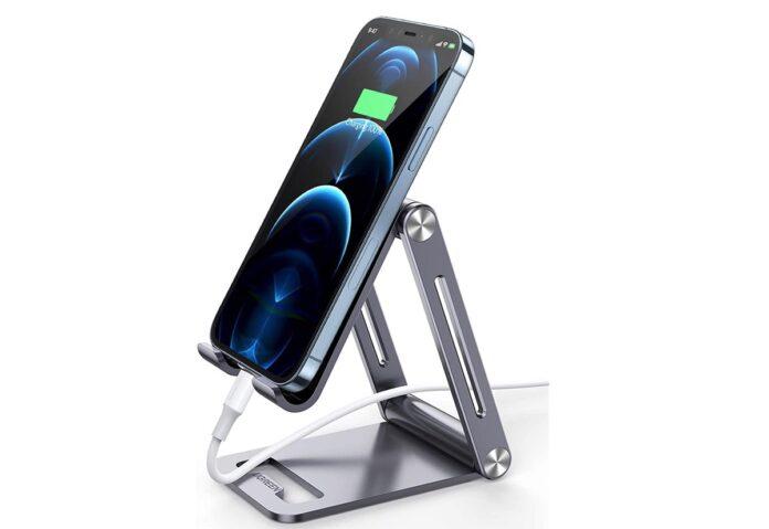 Recensione supporto iPhone Ugreen: quel che serve per Zoom e FaceTime