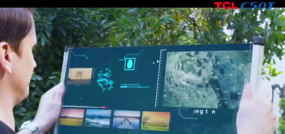 TCL presenta al CES lo schermo arrotolabile da 17 pollici
