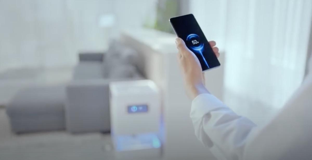 Xiaomi Mi Air Charge promette di ricaricare il telefono a distanza