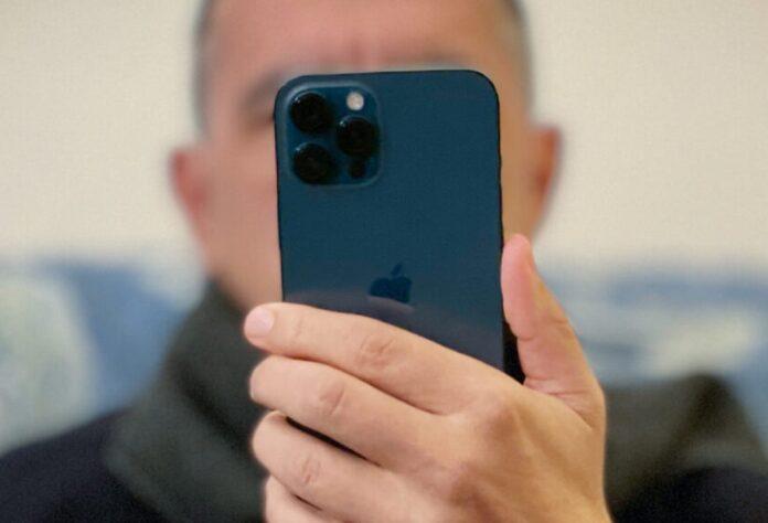 La domanda iPhone 12 si indebolisce ma le spedizioni rimango alte