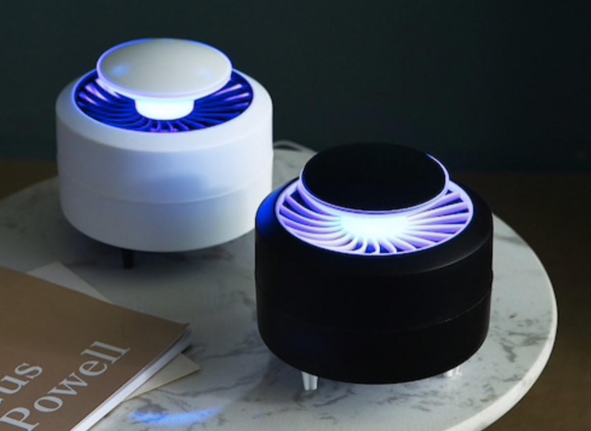 Estate senza pizzicore con la lampada anti-zanzare in sconto a 5,86 euro