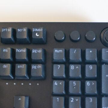 Recensione Razer Huntsman V2 Analog, tastiera pro con un pizzico di futuro dentro
