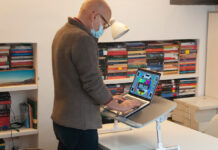 Recensione Taotronics Laptop Standing Desk, smart working comodo e intelligente