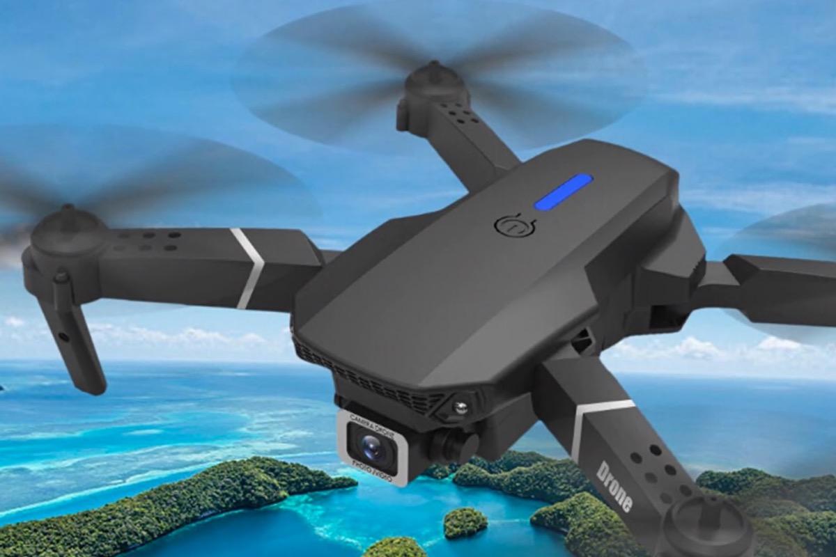 E525, drone ripiegabile con due videocam …