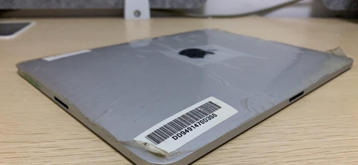 Apple pensò ad una specie di smart connector sul primo iPad