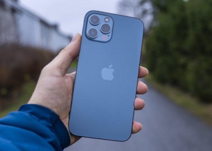 Nuovi iPhone attesi con zoom ottico 10x