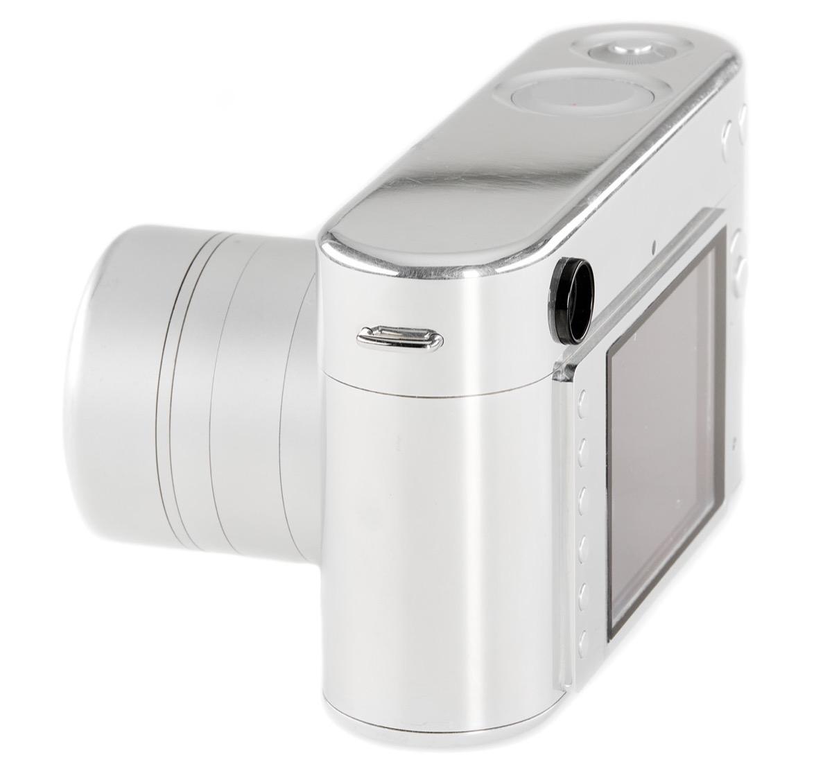 All'asta un prototipo di Leica progettato da Jony Ive e Marc Newson