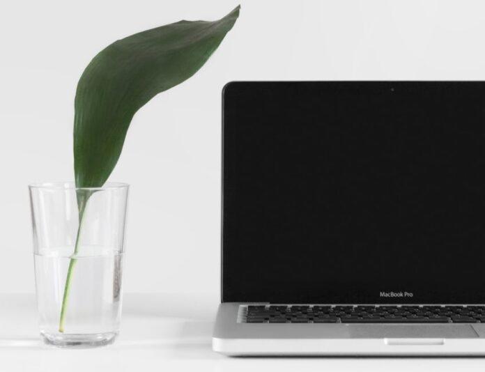 MacBook Pro si spegne e riavvia, come risolvere il problema