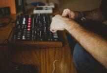 Google Arts & Culture offre una mostra sulla musica elettronica