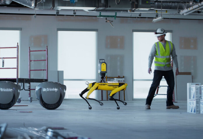 Piaggio sperimenta robot con l'insegumento intelligente