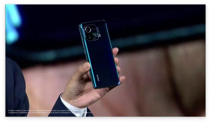 Xiaomi Mi 11 Pro ufficiale con ricarica wireless a 67 W