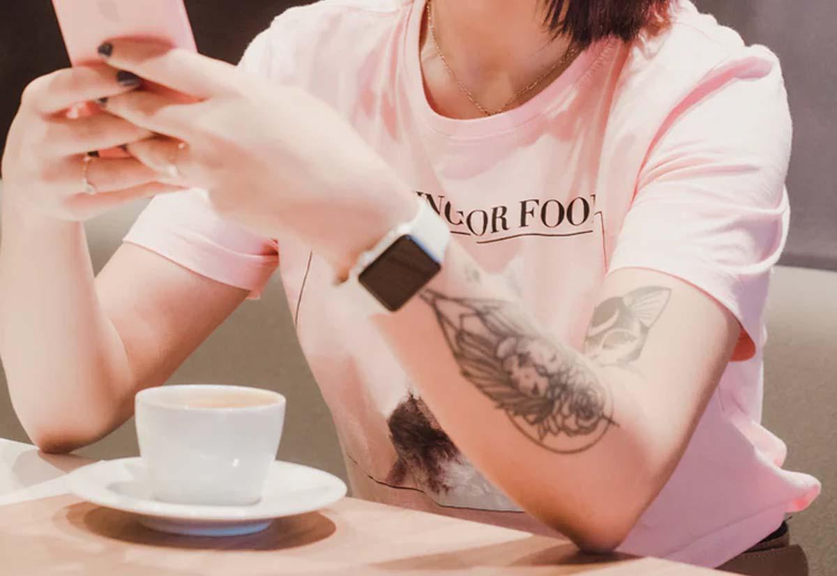 Creato il primo tatuaggio OLED che si il …