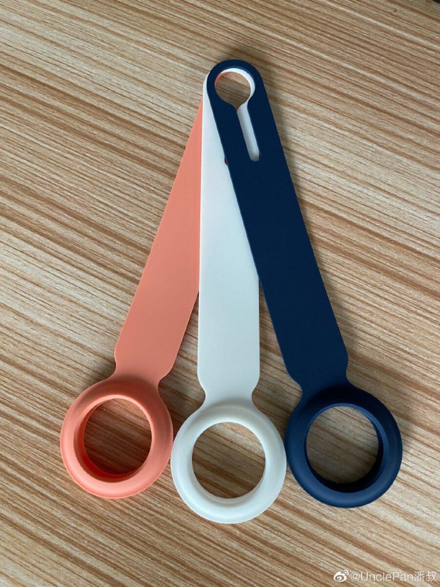 Le foto dei cinturini in silicone porta-AirTag di terze parti