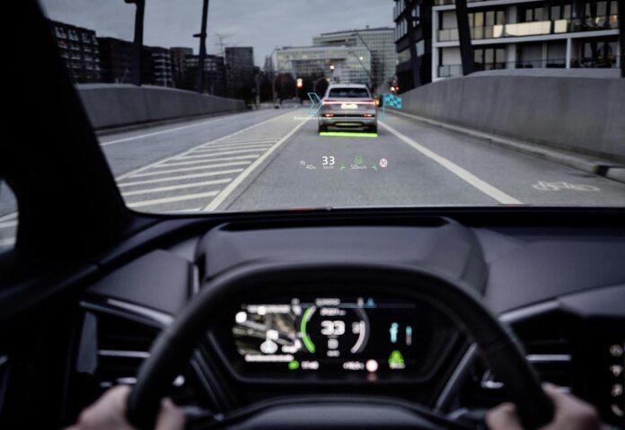 """""""Sesto senso"""", la Realtà Aumentata di Audi Q4 e-tron"""