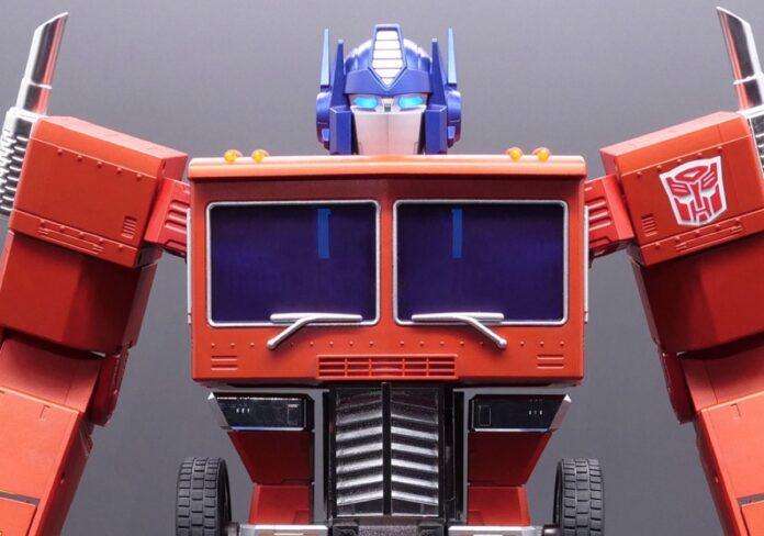 Hasbro Optimus Prime è il sogno dei bambini di ogni età