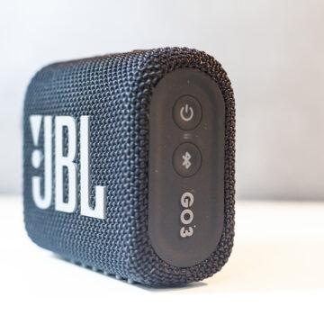Recensione JBL Go 3, il più piccolo dei grandi speaker alla prova dell'acqua