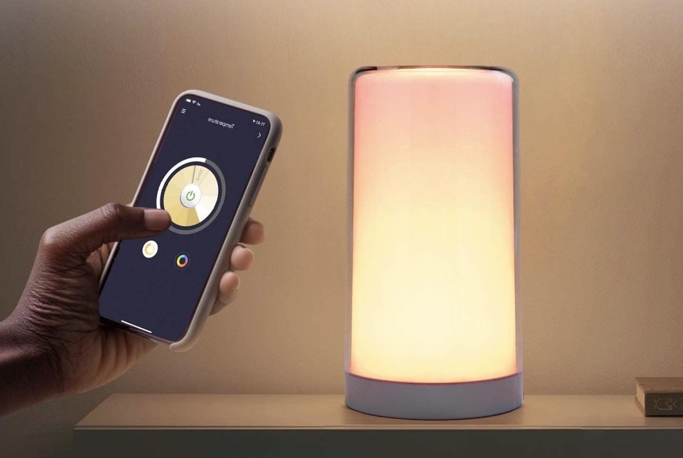 Super offerta Meross Striscia LED e lampada HomeKit e Alexa a metà prezzo