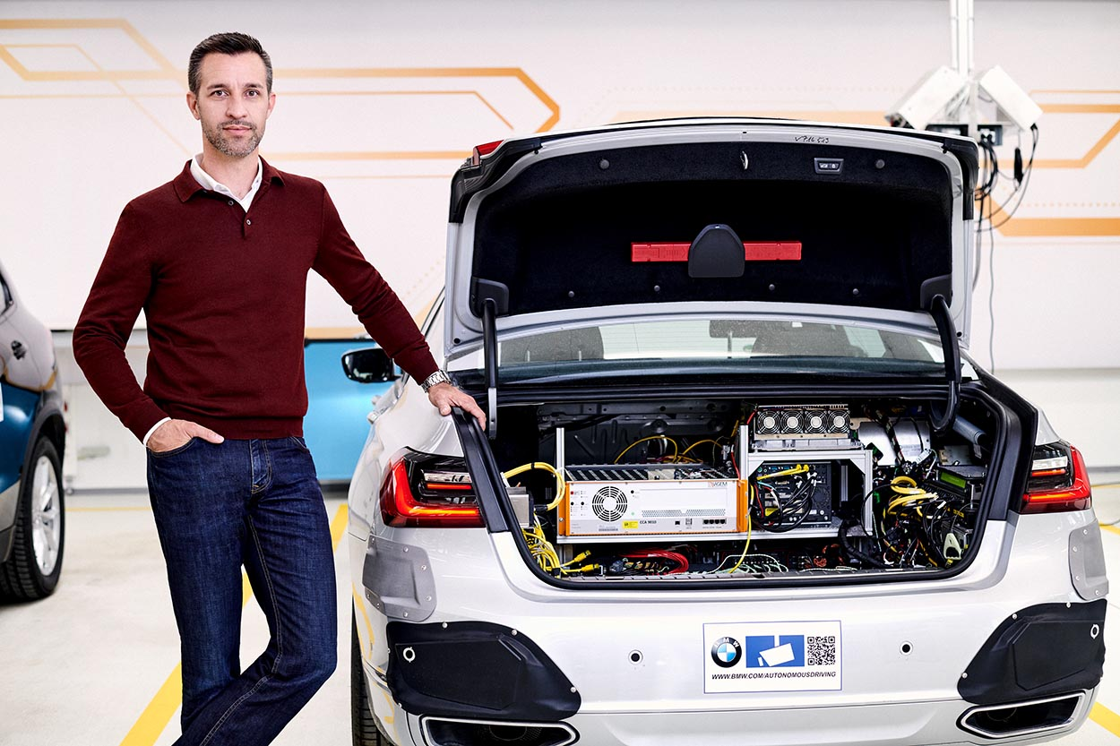 La guida autonoma secondo BMW
