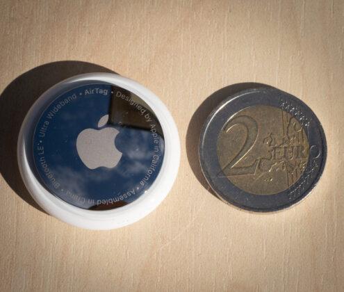 airtag a confronto con una moneta