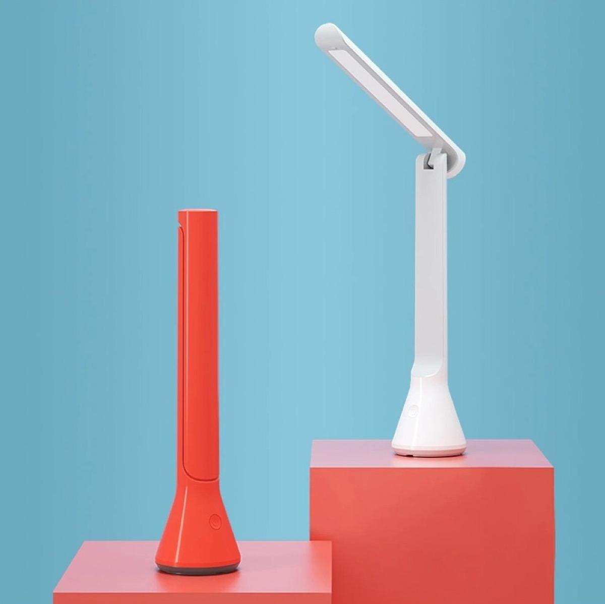 YEELIGHT YLTD11YL, la lampada da scrivania pieghevole con batteria integrata