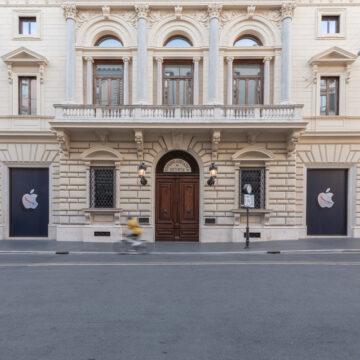 Apple Store Via del Corso Roma, le foto e la Mela di marmo