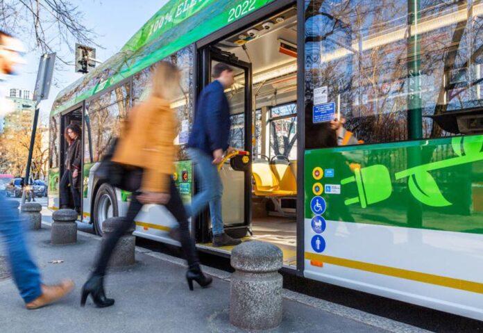 A Milano un filobus con tecnologie cloud ibride connesse per la guida assistita