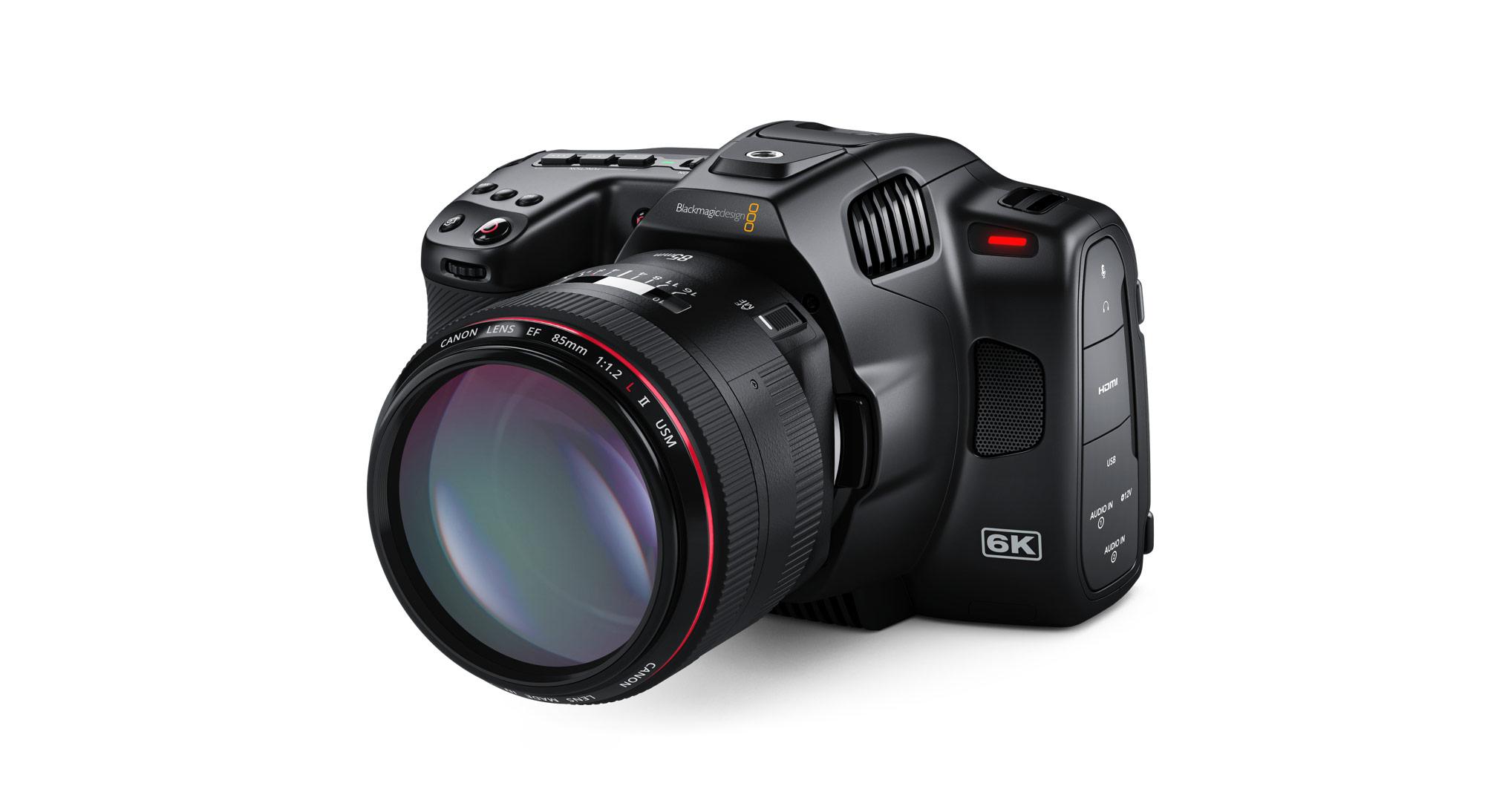 Blackmagic Pocket Cinema Camera 6K Pro con Touchscreen HDR inclinabile