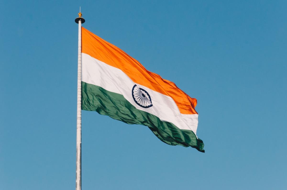 india stop vendita dispositivi prodotti all'estero