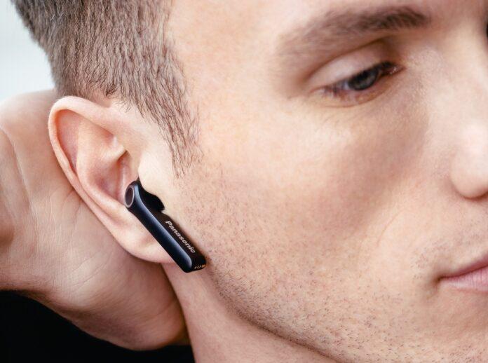 Panasonic B100 sono gli auricolari wireless in stile AirPods