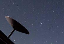 La carovana di luci nella notte. Ecco Starlink di Elon Musk