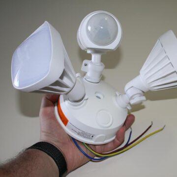 Swann SWIFI-FLOCAM2W, telecamera di sicurezza da esterno con faretti