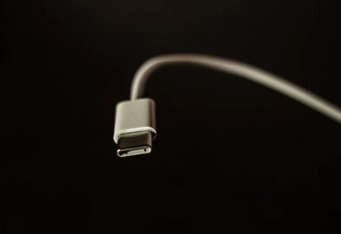 Le nuove specifiche USB-C offriranno fino a 240W di potenza
