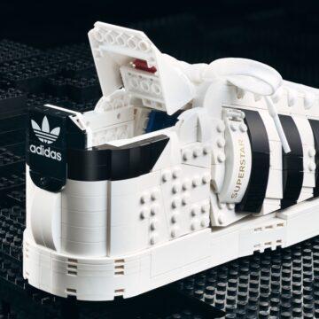 Arrivano le scarpe LEGO Adidas