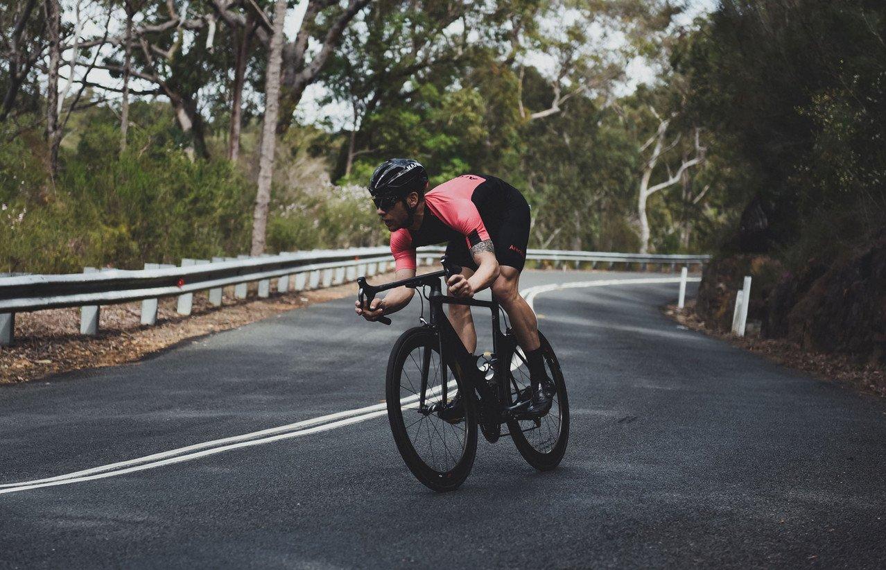 Un casco da bici con il 5G per migliorare la sicurezza