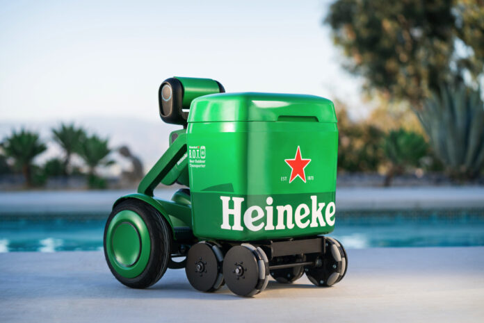 Heineken BOT è il robot che ti segue con la birra fresca